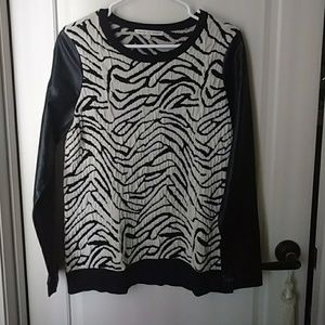 Faux leather sleeves sweater Small Animal print